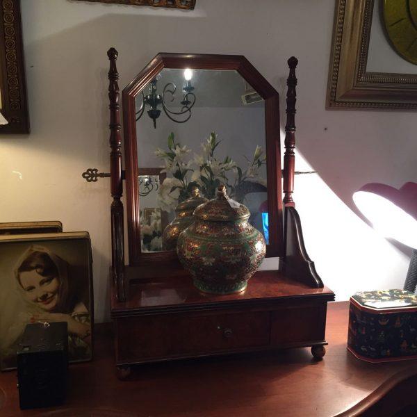 Espejo con marco de ondas en pan de oro 60 x 40 cm - Galería de Lo ...